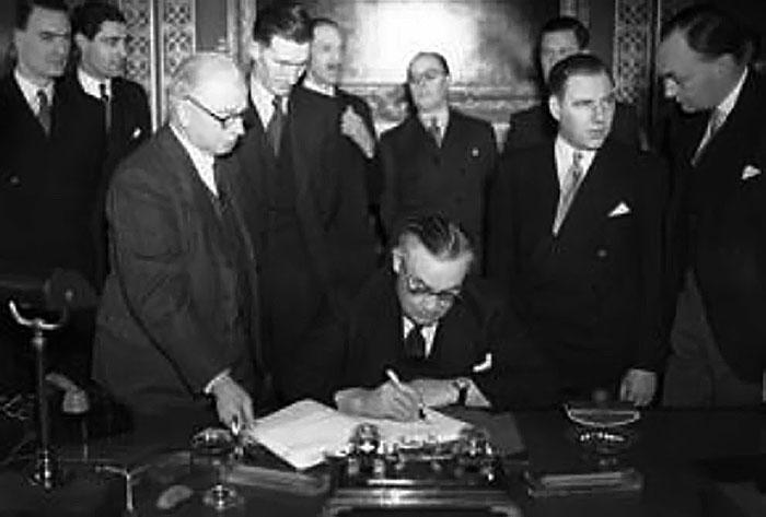 firma del Trattato di Pace di Parigi